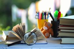 Страница стога учебника задней части Educaion внешняя Стоковые Фото