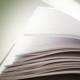 страницы раскрытые книгой стоковые фото