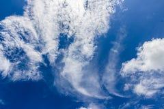 Странное облако с голубым небом Стоковая Фотография RF