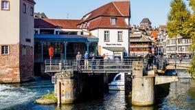 страсбург Франции Взгляд на каналах меньшего района Франции Стоковые Фото