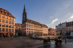 СТРАСБУРГ, ФРАНЦИЯ - 5-ОЕ ЯНВАРЯ 2017: Историческая зона в центре старого города Strasburg стоковое изображение rf