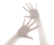 Страшная ладонь руки за предпосылкой занавеса ливня Стоковое Изображение
