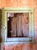 Страшный подвал покинутого здания Стоковая Фотография RF