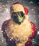 Страшный Санта Клаус с маской противогаза Стоковое Изображение