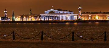 Стрелка острова Vasilevsky Стоковая Фотография