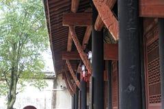 Стрехи деревянной академии резного изображения-Ehu Стоковое фото RF