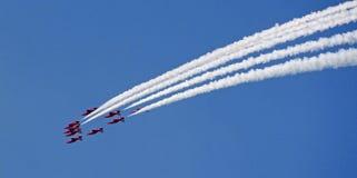 стрелки летая красный цвет образования Стоковые Фото