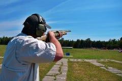 Стрельба Skeet Стоковое Изображение