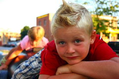 стрижка мальчика самомоднейшая Стоковые Изображения