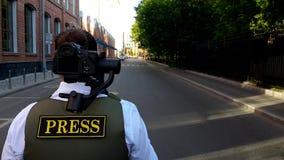 Стрингер журналиста передачи сток-видео