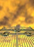 Стробы раев золотые и желтое небо Стоковая Фотография RF