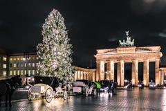 Строб Бранденбурга на christimas в Берлине, Германии стоковое фото rf