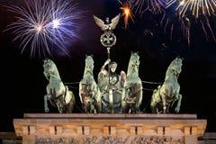 Строб Бранденбурга с фейерверками Стоковое Изображение