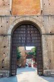 Строб города в Сиене, Тоскане, Италии Стоковые Фото