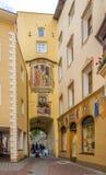 Строб городка Ragen в Brunico - Италии Стоковая Фотография