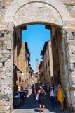 Строб городка San Gimignano, Италии Стоковые Изображения RF