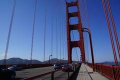 строб золотистый san francisco моста стоковые фото