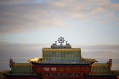 Строб к буддийскому виску в Elista Стоковая Фотография