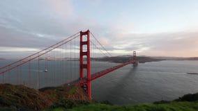 строб моста золотистый сток-видео