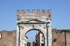 Строб Римини камня Arco di Augusto стоковая фотография rf