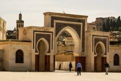 Строб Bab Bou Jeloud (голубой строб) расположенный на Fez, Марокко Стоковое фото RF