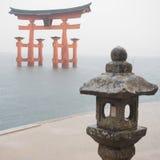 Строб Torii в океане Стоковая Фотография RF