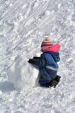 Строение девушки малыша снеговик Стоковые Фотографии RF