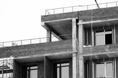 Строительная площадка дома кирпича Дом кирпича строительной конструкции Незаконченная домашняя конструкция Стоковые Изображения RF