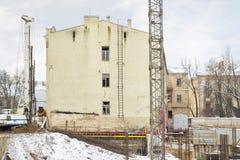 Строительная площадка, здание и краны Стоковое Изображение