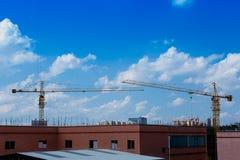 Строительная площадка, кран - строительная техника, конструкция Стоковое Фото