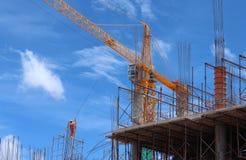 Строительная площадка нового здания стальных и конкретных полов Стоковое Фото