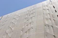 Строительная конструкция - леса с linen защитой Стоковые Фото