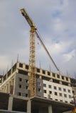 Строительная площадка конструкции с промышленным краном Стоковое Изображение