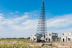 строительная площадка с деятельностью копера и precast снабжением жилищем Стоковые Изображения RF