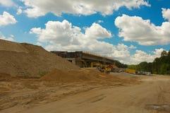 Строительная площадка шоссе через лес Стоковая Фотография RF