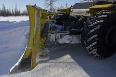 Строительство дорог на дороге зимы Стоковое фото RF