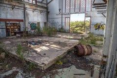 строить вниз с промышленного стука делает новую старую комнату загубить что-то Стоковая Фотография