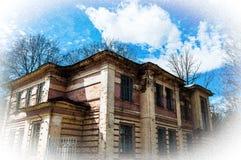 строить старый Обветшалая постройка Кирпич Фото с виньетированием и зерном Грубая песчинка как художнический метод стоковая фотография