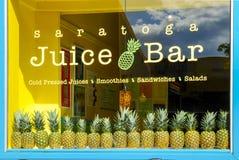 Строка ананасов в окне Стоковое фото RF