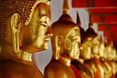 Строка Будда на Wat Pho Стоковое Изображение RF