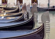 Строка гондол, Венеция, Италия Стоковые Фотографии RF