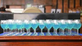 Строка голубого коктеиля curacao Стоковая Фотография