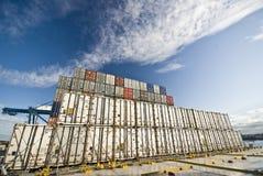 Строка грузовых контейнеров доставки Стоковые Фото