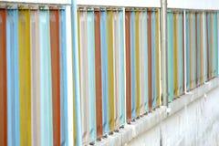 Строка пестротканых окон стоковая фотография rf