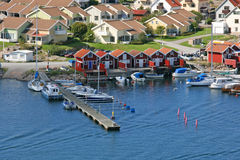 Строка покрашенных домов, Smogen, Швеция Стоковая Фотография
