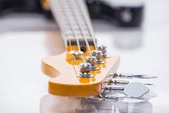 Строки басовой гитары, стрельбы крупного плана Стоковая Фотография RF