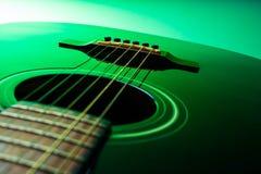 Строки гитары, конец вверх Акустическая гитара акустическая, макрос аппаратуры музыки Стоковые Изображения