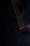 Строки гитары, конец вверх Акустическая гитара акустическая, макрос аппаратуры музыки Стоковая Фотография RF