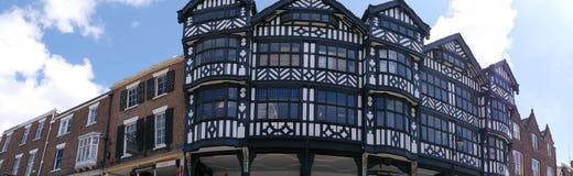 Строки здания Tudor черно-белые в Честере Англии Стоковые Фотографии RF