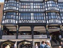 Строки здания Tudor черно-белые в Честере Англии Стоковое Изображение RF